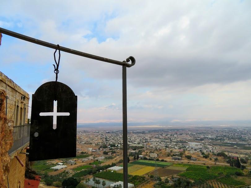 誘惑の山 Mount of Temptation